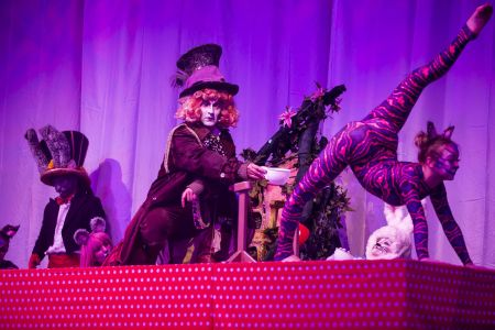 3 alice in wonderland show
