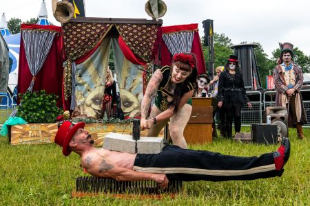 bed of nails performer