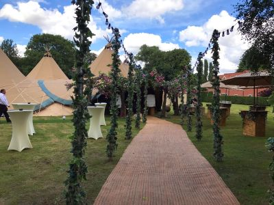 Decor Teepees Wedding