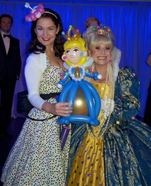 lady balloon artist and barbara windsor