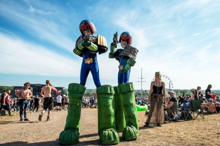 Stiltwalkers Judge Dredd