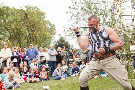 strongman entertainer