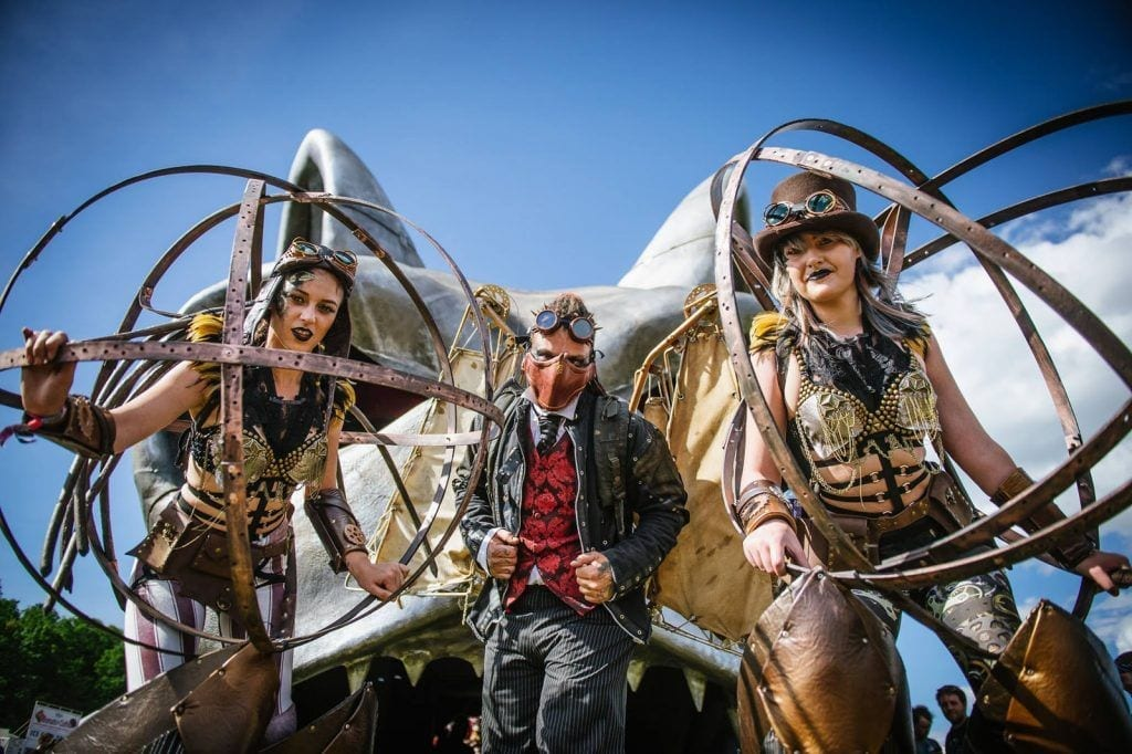 caravan rocks up at download